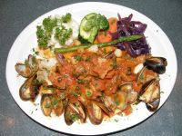 steamed_clams_in_tomato-basil_broth